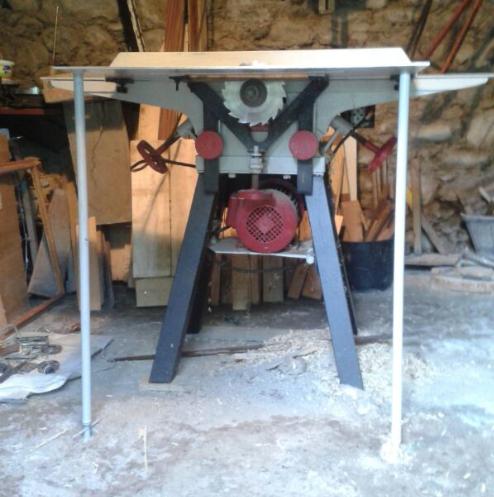 Sierra para fabricación de colmenas